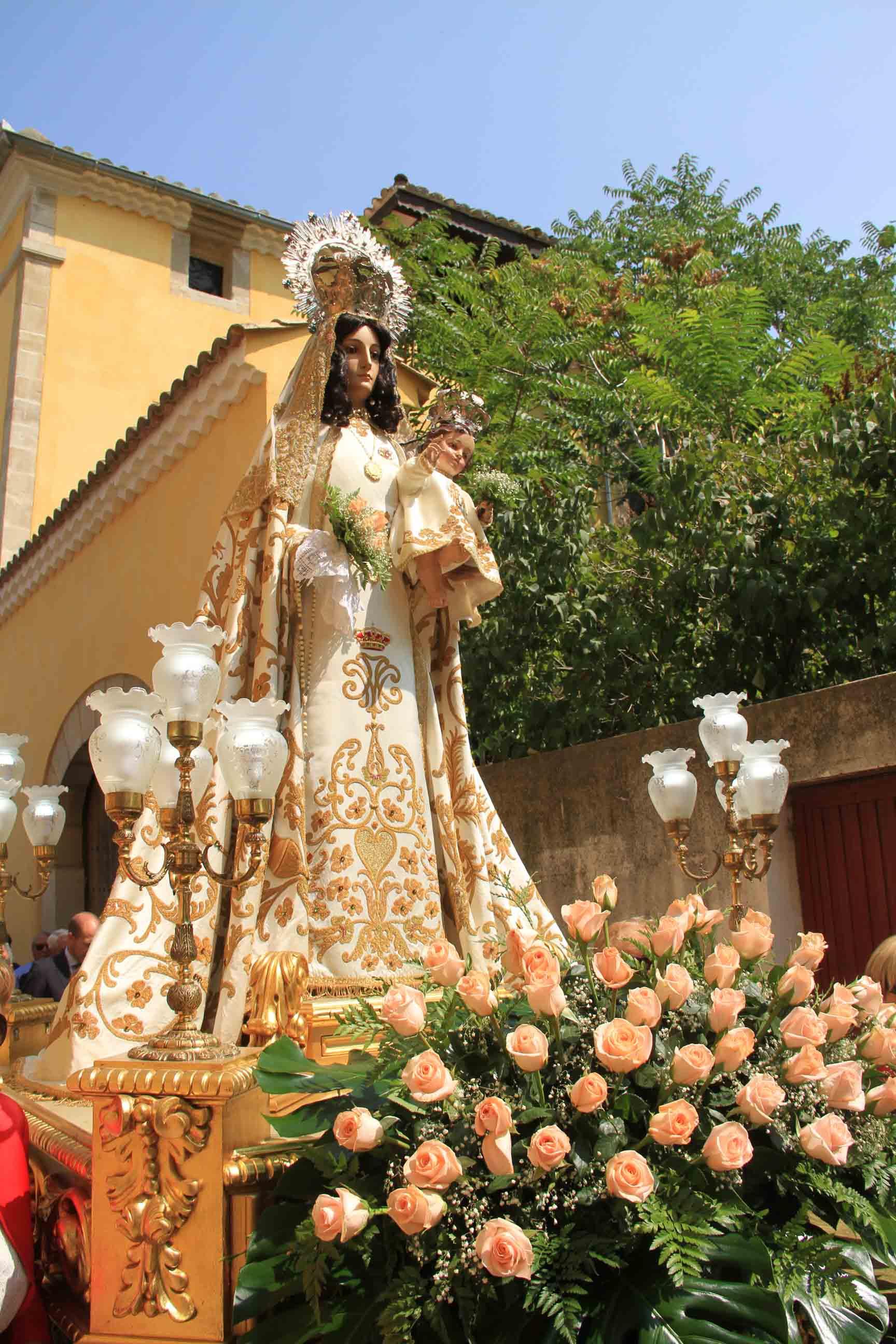 Pareja celebró el día grande de sus fiestas en honor a la Virgen de los Remedios