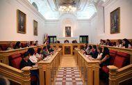 El Pleno apoya la Huelga Feminista del 8-M, la equiparación salarial de las Fuerzas de Seguridad y las unidades de oncología pediátrica en Toledo