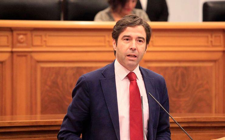 Robisco denuncia el comportamiento antidemocrático del presidente de las Cortes, al vulnerar los derechos de los diputados del GPP