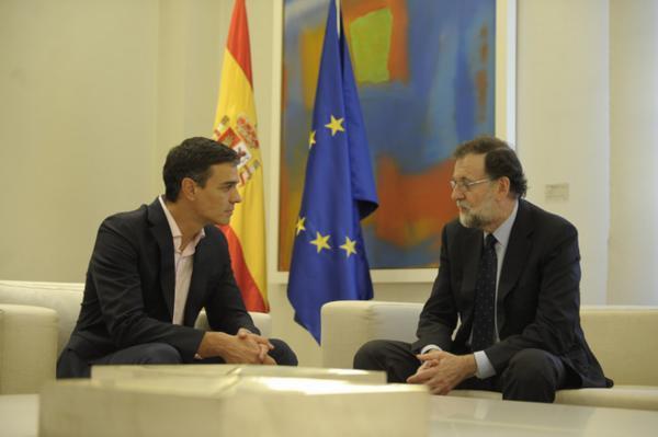 Rajoy y Sánchez contemplan que Puigdemont convoque elecciones antes de que se apruebe el 155