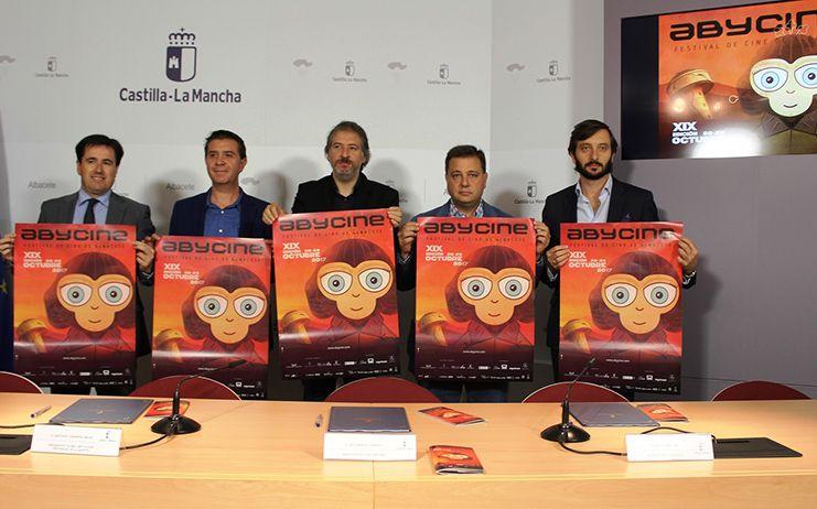 """Manuel Serrano reitera su firme compromiso con 'Abycine' y destaca la """"proyección impagable"""" que realiza de Albacete a nivel turístico y cultural"""