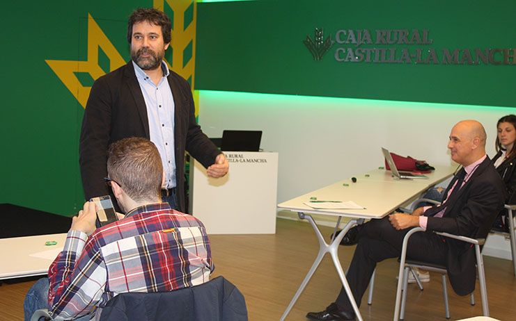La Fundación Caja Rural Castilla-La Mancha da las claves para innovar en un negocio de la mano de la EOI