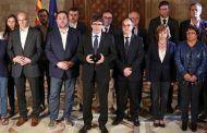 Puigdemont no responde a Rajoy si declaró la independencia y le pide una reunión urgente