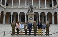 Ramos entabla cauces de colaboración con el Museo del Ejército de Toledo para realizar dos importantes exposiciones relacionadas con la cerámica