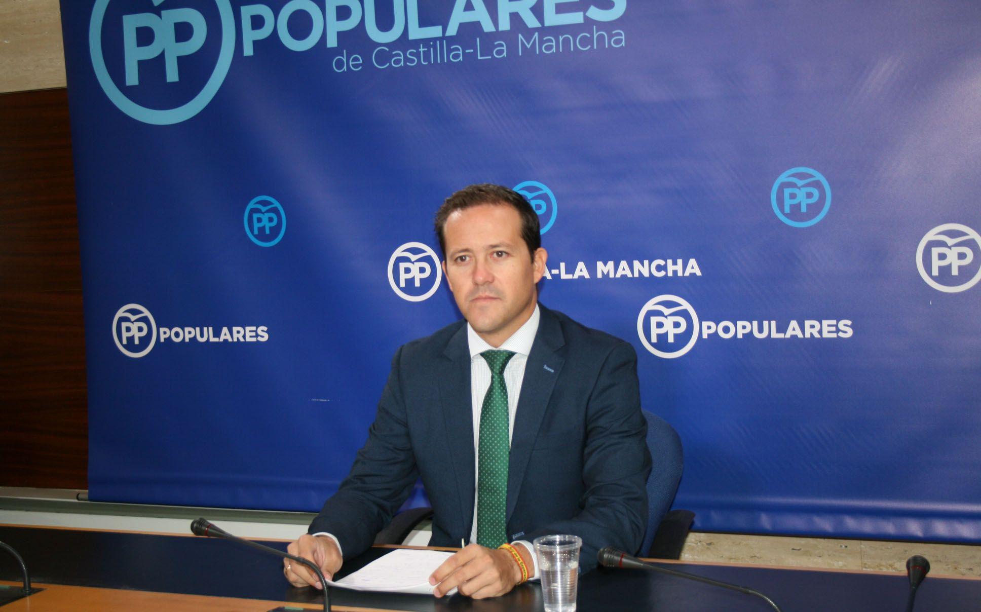 El PP denuncia la hipocresía de Page quien asegura defender la unidad de España pero mantiene a su vicepresidente de Podemos
