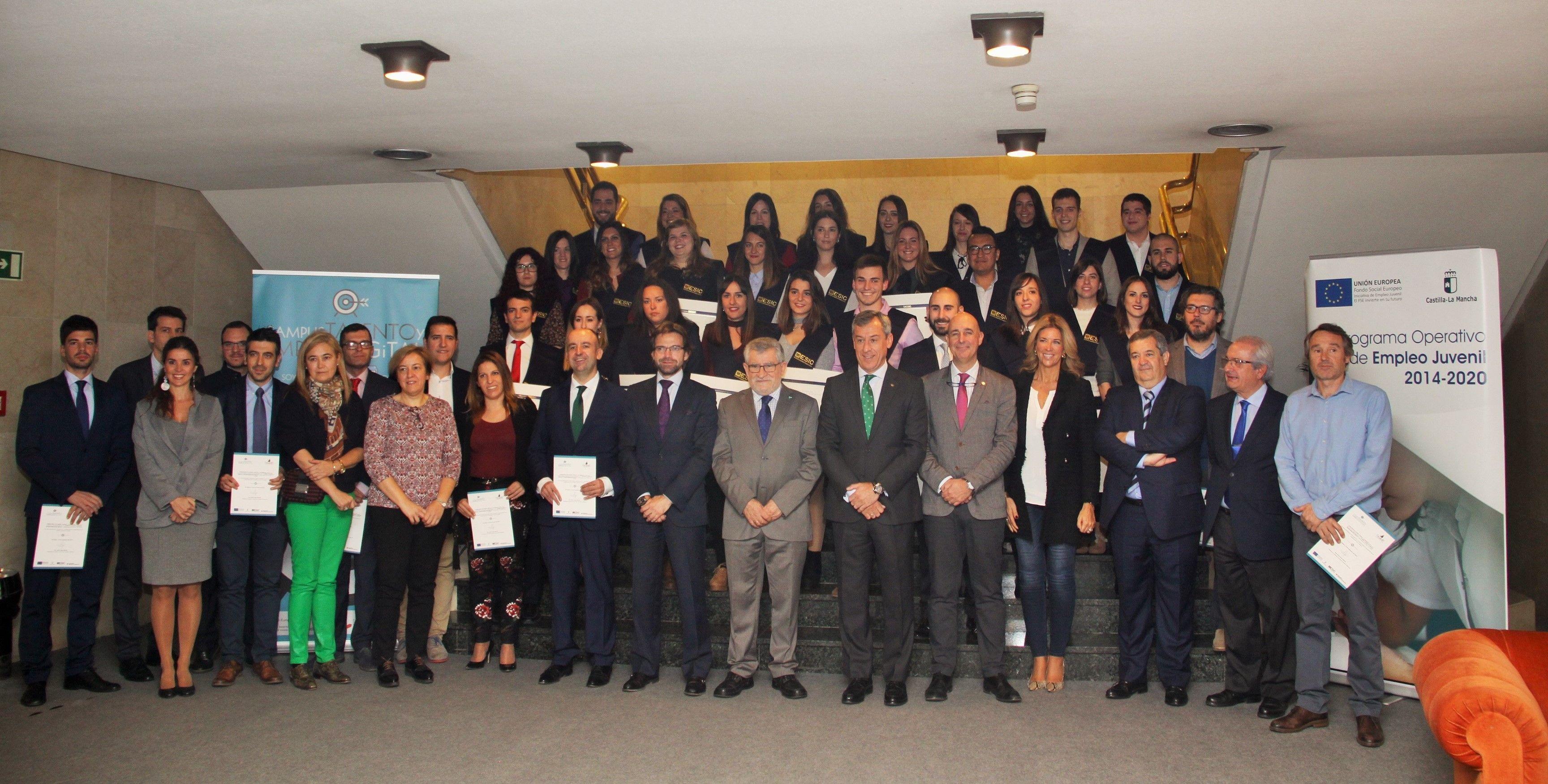 """16 universitarios encuentran trabajo con el """"Campus Talento y Empleo Digital"""" de Fundación Caja Rural CLM y JCCM"""