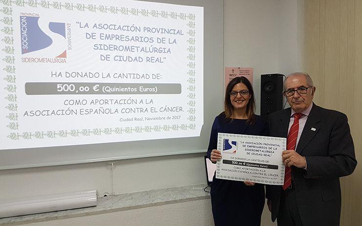 Donación de APES a la Asociación Española contra el cáncer de Ciudad Real