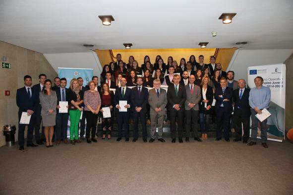 El Gobierno regional anima a los jóvenes a participar en programas que completen su formación para mejorar su empleabilidad
