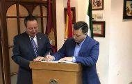 Manuel Serrano agradece a la Casa de Castilla-La Mancha en Sevilla la gran labor de promoción turística de la ciudad de Albacete que realiza