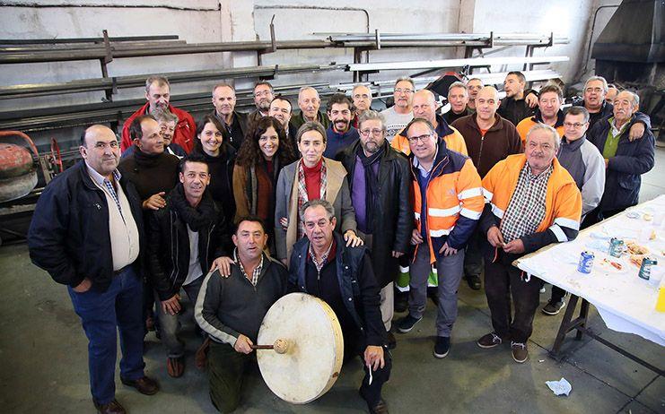 Tolón visita los talleres municipales y las instalaciones de la empresa Tagus
