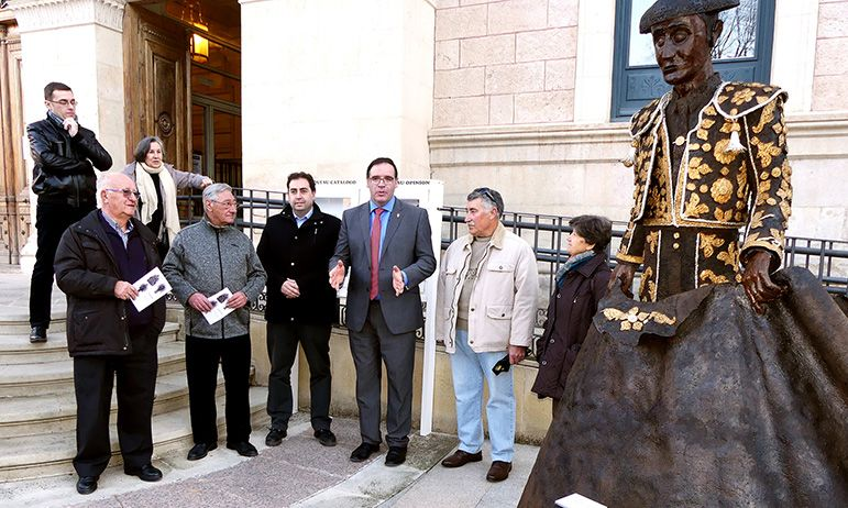 Las esculturas de hierro del conquense Ángel Martínez invaden esta Navidad los jardines de la Diputación