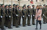 Cospedal defiende el papel de las Fuerzas Armadas ante aquellos que tienen