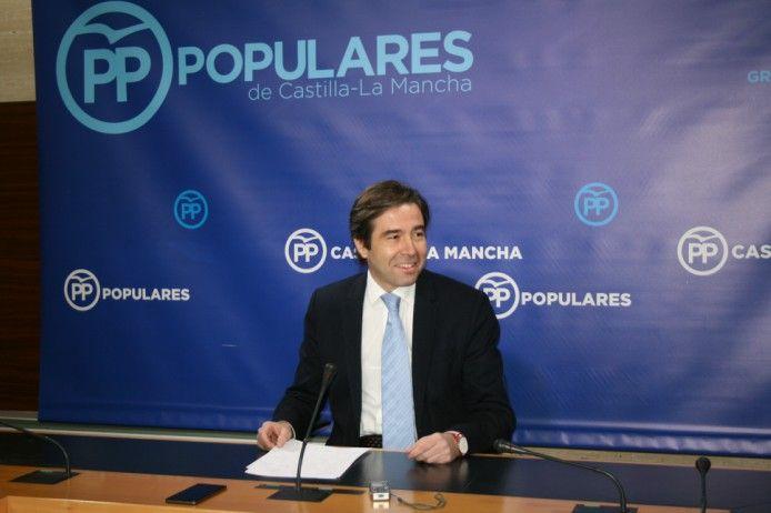 El PP denuncia la hipocresía de Page al celebrar el acto de la Constitución y mantener a un vicepresidente de Podemos