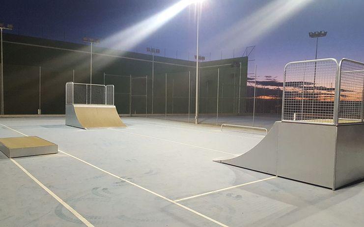 Quer ya cuenta con nuevo rocódromo de iniciación y con pista de skate