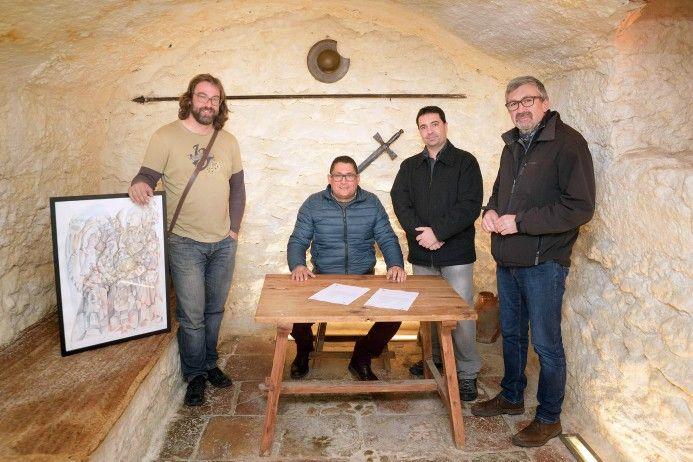 Felipe Alarcón dona una de sus obras al pueblo de Argamasilla de Alba
