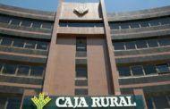Caja Rural C-LM dona a la ONG 'El Amigo de los Pobres' casi una tonelada de alimentos, que entregará el próximo día 25