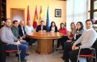 Manuel Serrano recibe en el Ayuntamiento a la nueva junta directiva de la Demarcación de Albacete del Colegio Oficial de Arquitectos de C-LM
