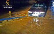 Guardia Civil rescata a un hombre que había quedado atrapado con su vehículo tras la crecida del río Bullaque