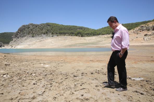El presidente de Castilla-La Mancha pedirá al nuevo Gobierno de España que cumpla con las directivas europeas en materia hídrica