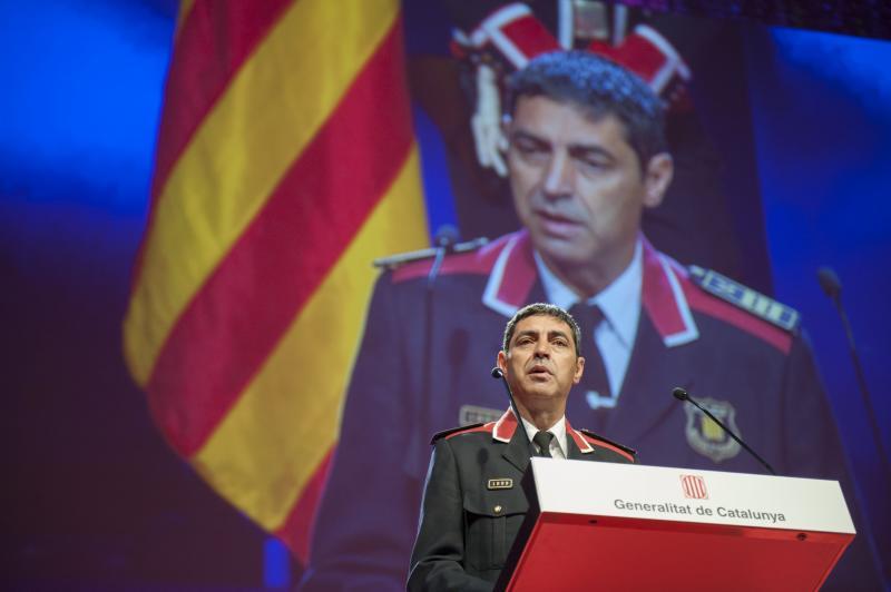 """Trapero advirtió a Puigdemont: """"No acompañamos el proyecto independentista, no se equivoquen con nosotros"""""""