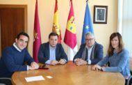 Manuel Serrano muestra su satisfacción por la futura apertura de un nuevo establecimiento KFC en Albacete que creará más de 40 empleos