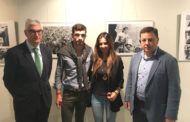 El alcalde de Albacete ha visitado la exposición-homenaje a Dámaso González