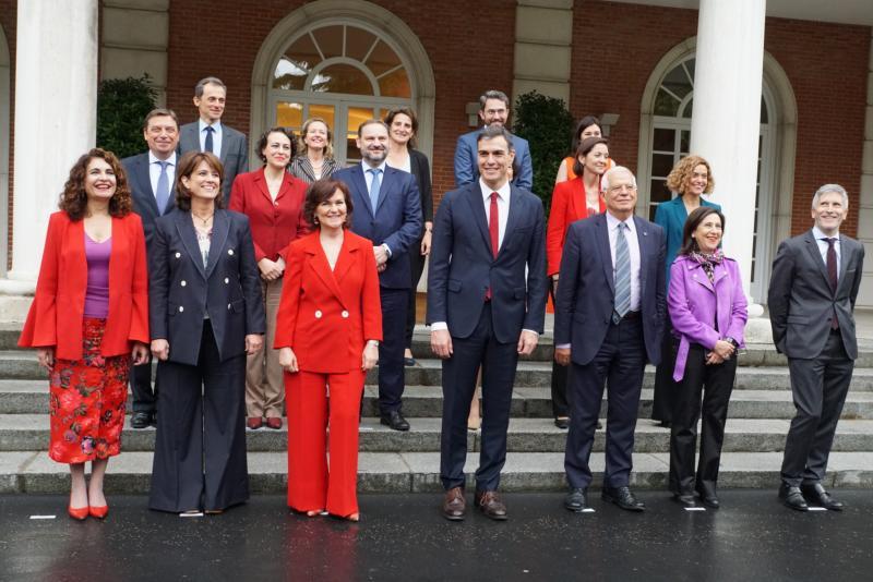 El nuevo Gobierno celebra su primer Consejo de Ministros