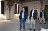 El alcalde anuncia que el Ayuntamiento ya ha aprobado los pliegos para licitar el proyecto de rehabilitación de la antigua Comisaría de Policía Nacional de Simón Abril
