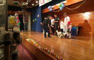 Policía Local y Bomberos acompañan a niños hospitalizados en el hospital Virgen de la Salud en la fiesta infantil 'Los Maruchines'