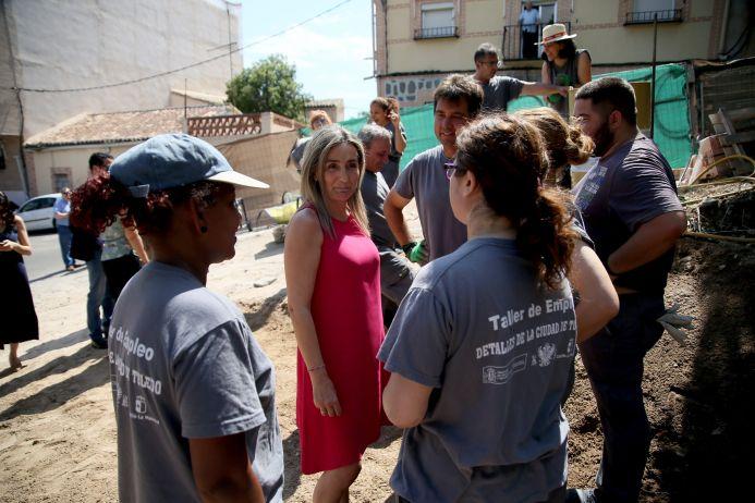 Tolón visita las obras de la calle del Arroyo, que dan respuesta a una demanda histórica de vecinos de Santa Bárbara