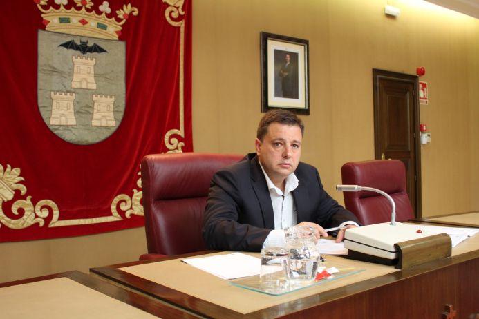 El alcalde asegura que el Plan Extraordinario de Inversiones es un