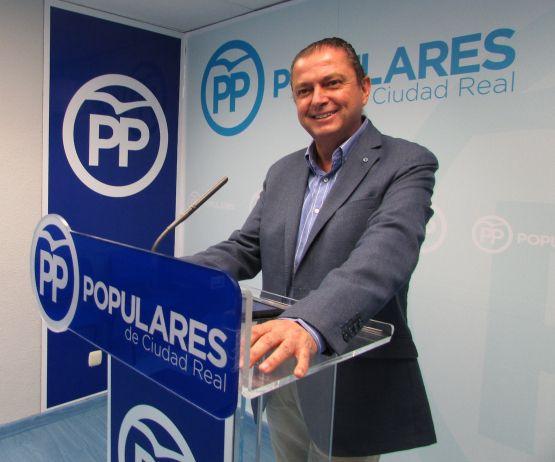 """Martín-Toledano asegura que el 28-A se elige entre un Gobierno moderado de Casado y otro formado por Sánchez con """"todos los enemigos de la Constitución"""""""