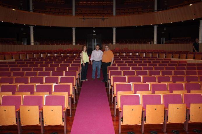 Manuel Serrano pone en valor las inversiones realizadas por el Ayuntamiento para mejorar la accesibilidad y dotación técnica del Teatro Circo