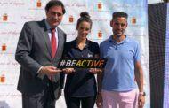 Ángel Mariscal da la bienvenida a la Caravana de la Semana Europea del Deporte encabezada por Almudena Cid