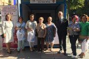 Ramos visita la mesa de cuestación de Afata en Talavera de la Reina