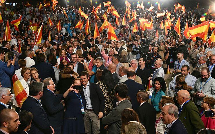 Casado da todo su apoyo a Núñez, confía en que ganará por mayoría absoluta y le pide escuchar a los castellano-manchegos