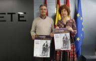 """Mª Ángeles Martínez presenta la exposición organizada por el grupo de folklore `Abuela Santa Ana´ """"El vestir de Albacete"""" desde el siglo XVIII"""