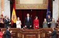 """El Rey reivindica la Constitución como """"mandato permanente de concordia entre los españoles"""""""