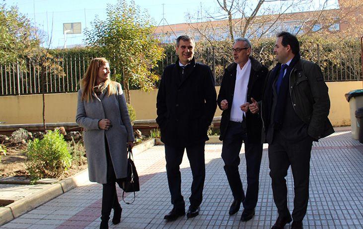 Núñez visita el Centro de Atención Residencial Betania en Guadalajara