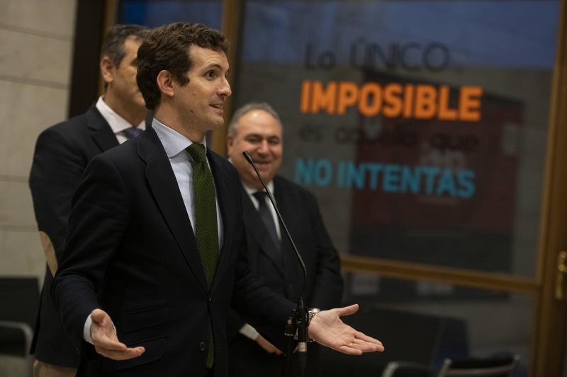 """Casado dice en Guadalajara que que Sánchez llama """"tirano"""" a Maduro """"muy rápido"""" para evitar """"problemas"""" con Podemos"""