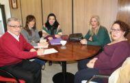 Gil mantiene una reunión con la Asociación de Familiares y Personas Enfermas de Fibromialgia y Síndrome de Fatiga Crónica de Albacete (AFIFCAB)