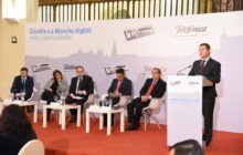 El presidente García-Page aboga por que el acceso a las comunicaciones sea considerado un