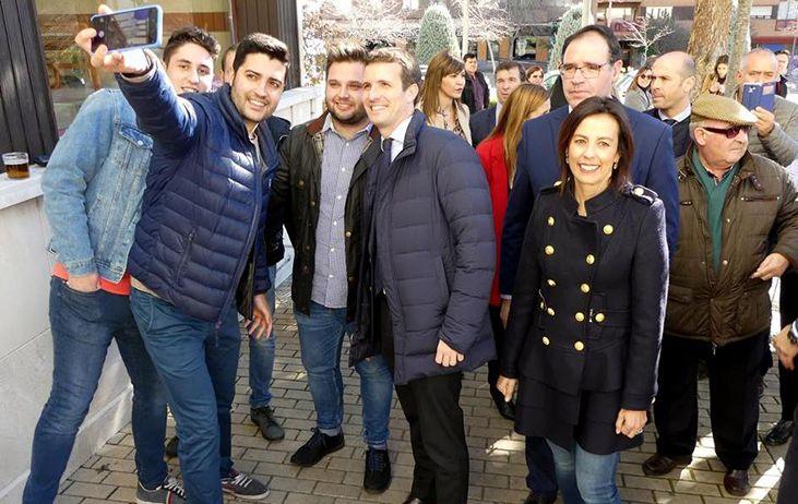Prieto y Moya encabezan la delegación conquense que acudirá mañana a Madrid en defensa de España y contra Sánchez