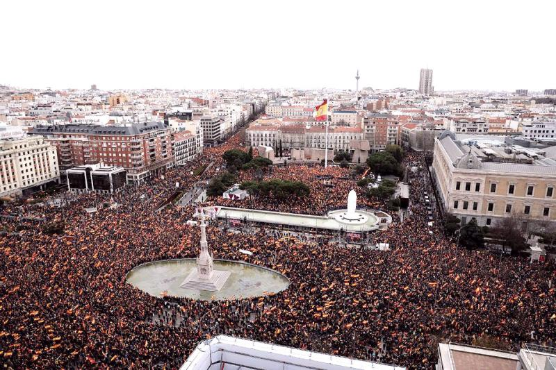 Miles de personas se manifiestan en Madrid contra la