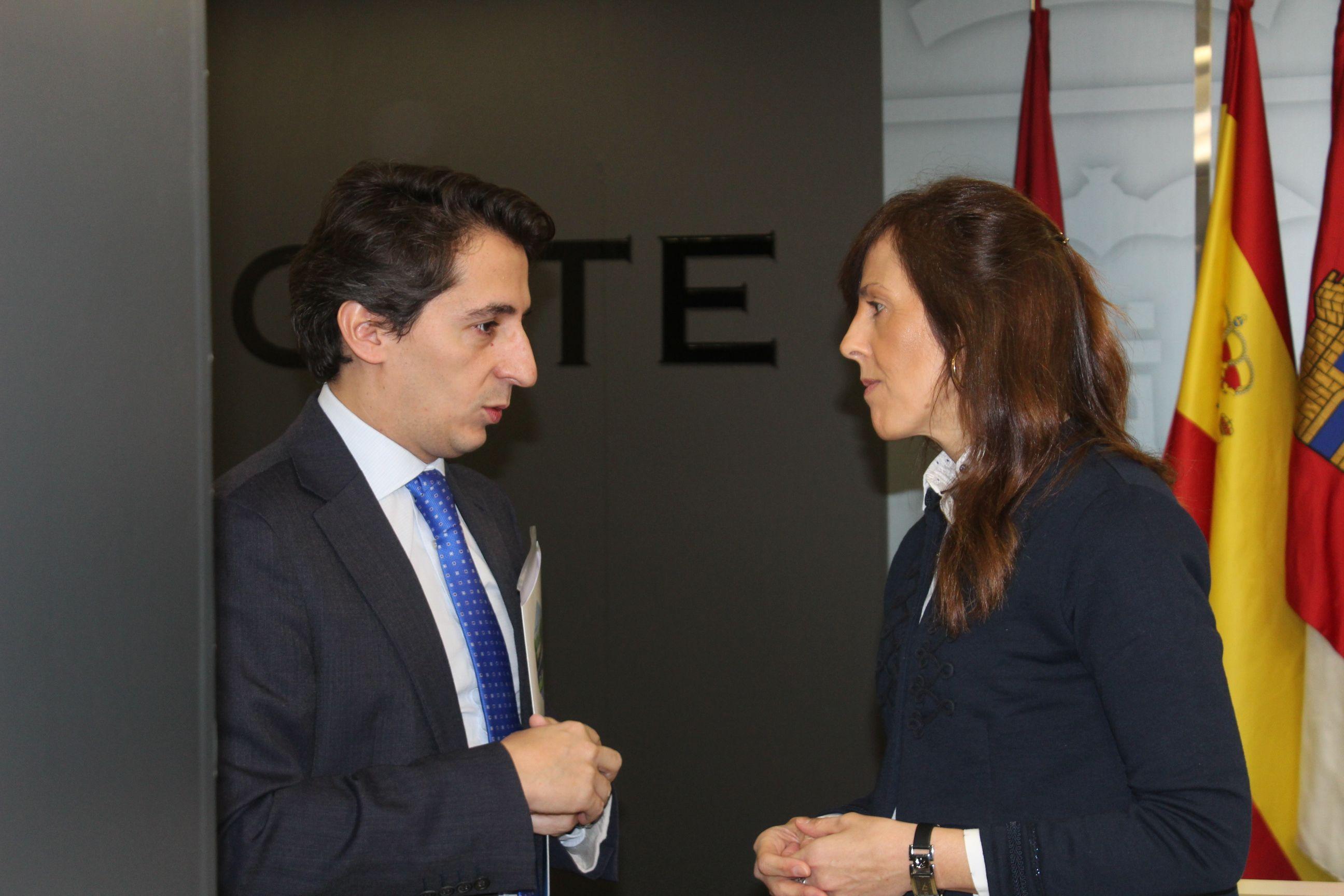 Gil destaca que para el Ayuntamiento las políticas sociales son prioritarias ya que mejoran la vida de personas y familias de Albacete
