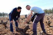 Núñez pondrá en marcha un calendario de pagos riguroso y pactado con los agricultores para acabar con los retrasos y la incertidumbre que sufren actualmente