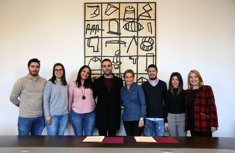 Tolón apuesta por los jóvenes creadores toledanos y les facilita un espacio cultural en el centro 'Cardenal Cisneros'