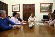 Tolón y la Real Academia trabajan ya en actuaciones para dinamizar la economía del Casco y potenciar la población del barrio