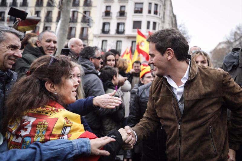Rivera augura más movilizaciones si Sánchez no convoca elecciones tras la protesta de este domingo