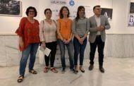 """Gil inaugura la exposición """"XXII Premio de Fotografía Humanitaria Luis Valtueña"""" organizada por la ONG Médicos Mundi"""
